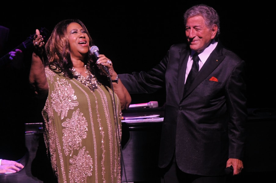 NEW YORK, NY - SEPTEMBER 18:  Aretha Franklin and Tony Bennett perform onstage during Tony Bennett's 85th Birthday Gala Benefit for Exploring the Arts at The Metropolitan Opera House on September 18, 2011 in New York City.  (Photo by Larry Busacca/Getty Images)