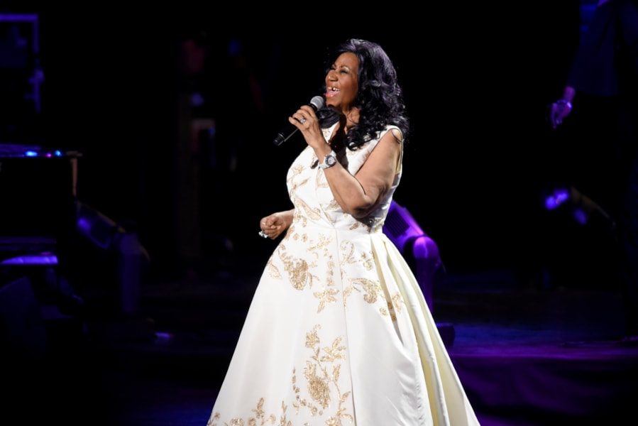 """NEW YORK, NY - APRIL 19:  Aretha Franklin performs onstage during the """"Clive Davis: The Soundtrack of Our Lives"""" Premiere Concert during the 2017 Tribeca Film Festival at Radio City Music Hall on April 19, 2017 in New York City.  (Photo by Noam Galai/Getty Images for Tribeca Film Festival)"""